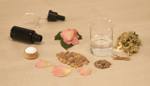 Naturalne sposoby na trądzik i maści na trądzik z roślinnymi ekstraktami skutkują najlepiej.